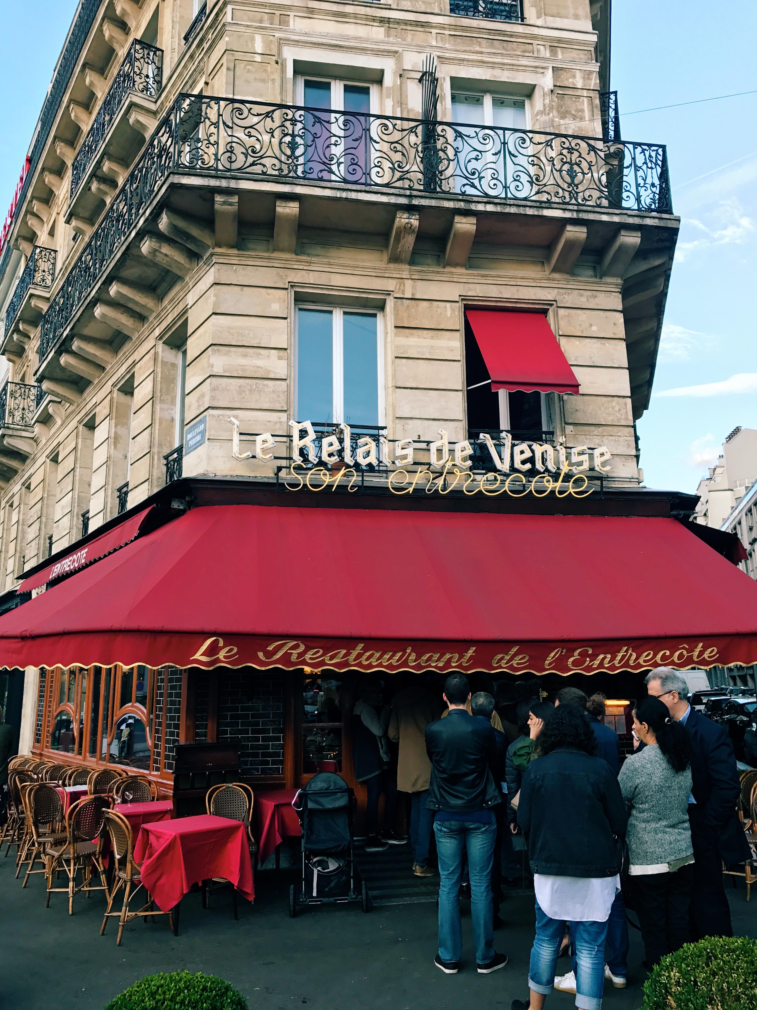 Willivia // Paris
